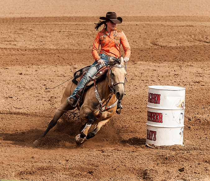 cowgirhorse01